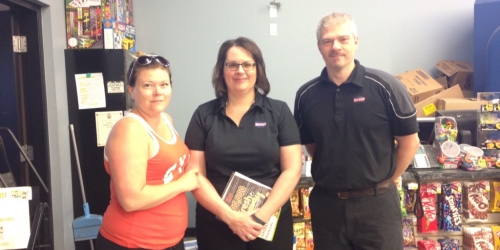Tanya Schentag wins 50-second shopping spree at Bigway (VIDEO and Pictures)